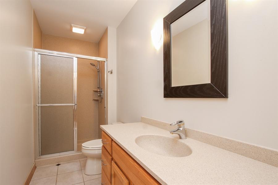 Real Estate Photography - 26636 N Longmeadow, Mundelein, Mundelein, IL, 60060 - Bathroom