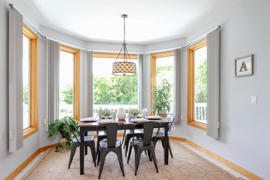 Real Estate Photography - 26636 N Longmeadow, Mundelein, Mundelein, IL, 60060 - Breakfast Nook