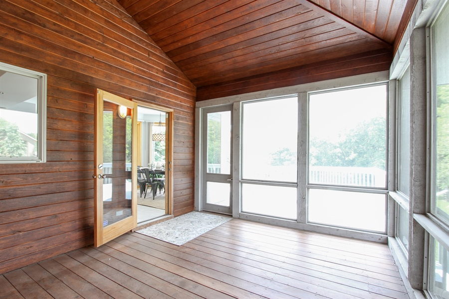 Real Estate Photography - 26636 N Longmeadow, Mundelein, Mundelein, IL, 60060 - Sun Room