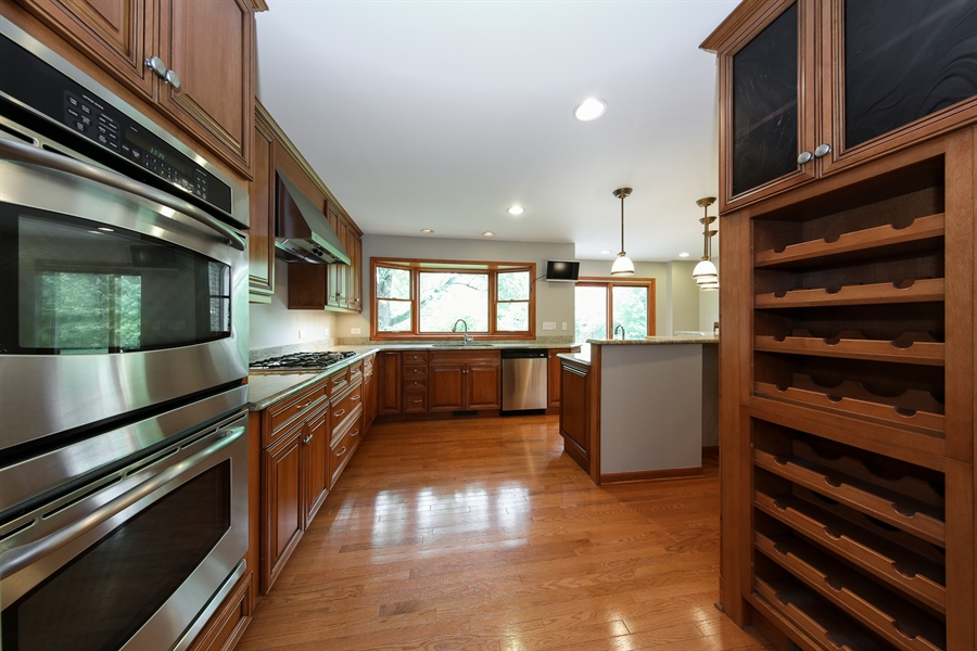 Real Estate Photography - 738 S Forest Dr, Barrington, IL, 60010 - Kitchen