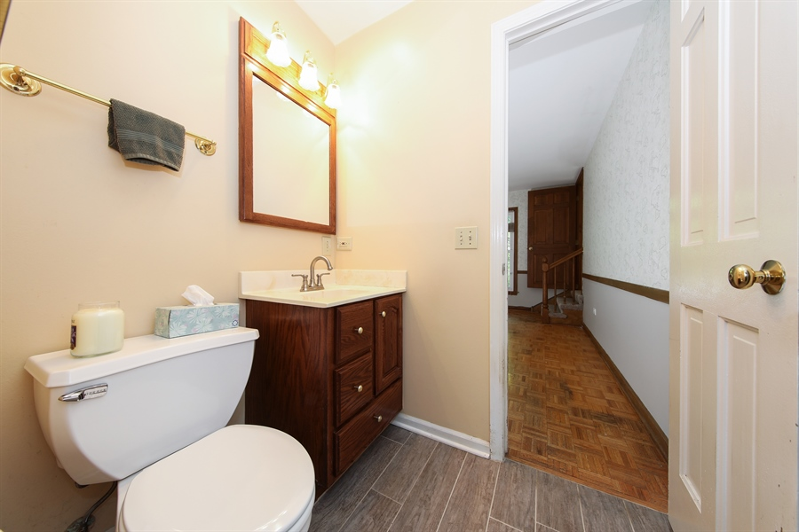 Real Estate Photography - 738 S Forest Dr, Barrington, IL, 60010 - Powder Room