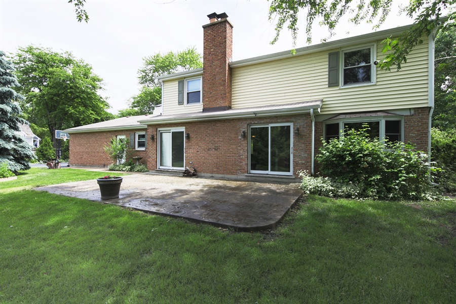 Real Estate Photography - 738 S Forest Dr, Barrington, IL, 60010 - Patio