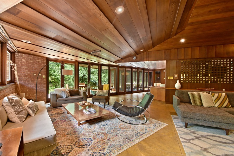 Real Estate Photography - 13 Graymoor Lane, Olympia Fields, IL, 60461 - Living Room