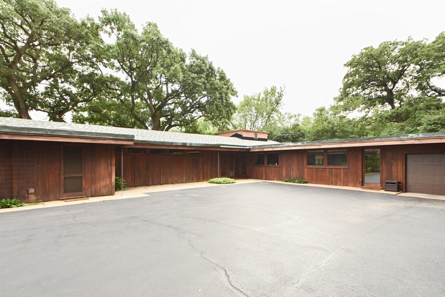 Real Estate Photography - 13 Graymoor Lane, Olympia Fields, IL, 60461 - Driveway