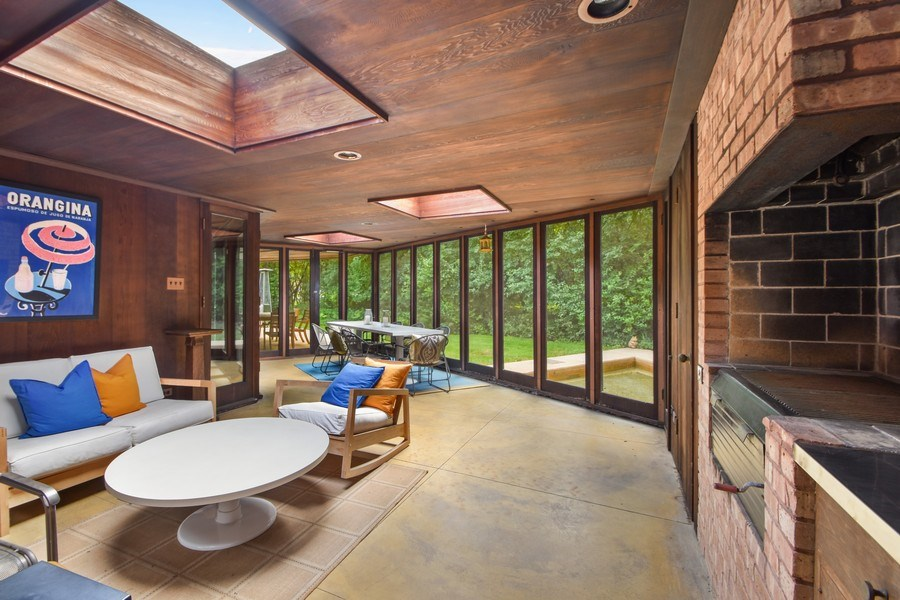 Real Estate Photography - 13 Graymoor Lane, Olympia Fields, IL, 60461 - Porch