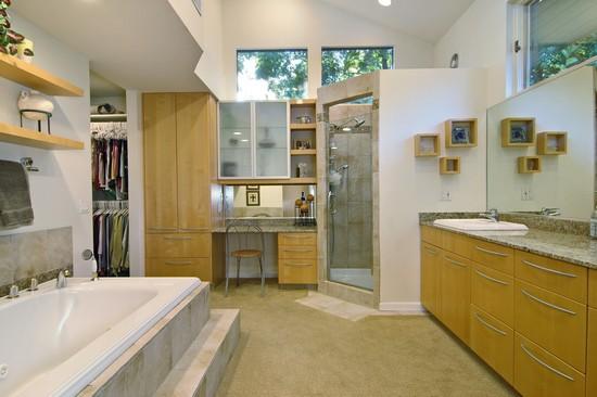 Real Estate Photography - 254 Red Oak Ln, Highland Park, IL, 60035 - Master Bathroom