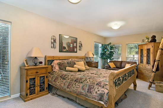 Real Estate Photography - 254 Red Oak Ln, Highland Park, IL, 60035 - 2nd Bedroom