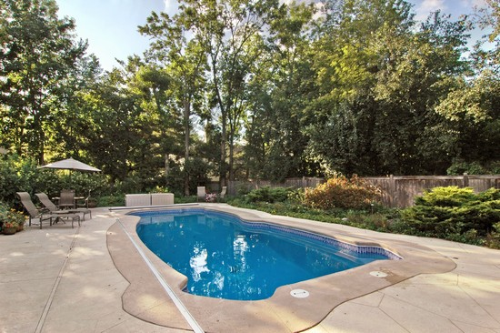 Real Estate Photography - 254 Red Oak Ln, Highland Park, IL, 60035 - Pool