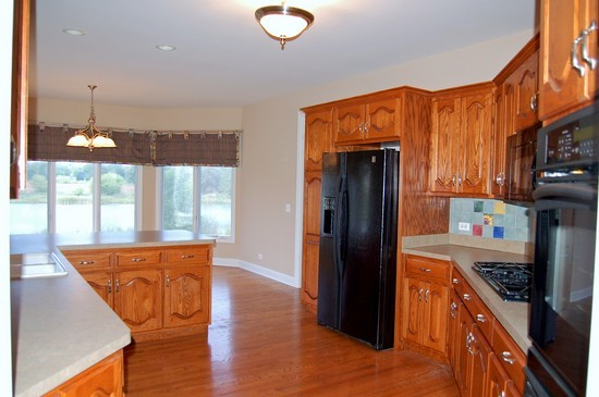 Real Estate Photography - 471 Sterling, South Elgin, IL, 60177 - Kitchen