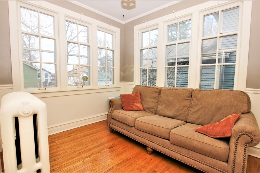 Real Estate Photography - 214 Oregon Avenue, West Dundee, IL, 60118 - Breakfast/Sunroom