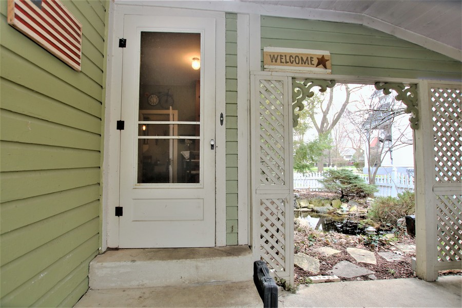 Real Estate Photography - 214 Oregon Avenue, West Dundee, IL, 60118 -