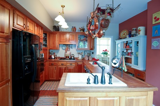 Real Estate Photography - 214 Oregon Avenue, West Dundee, IL, 60118 - Kitchen
