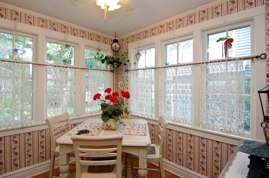 Real Estate Photography - 214 Oregon Avenue, West Dundee, IL, 60118 - Breakfast Nook