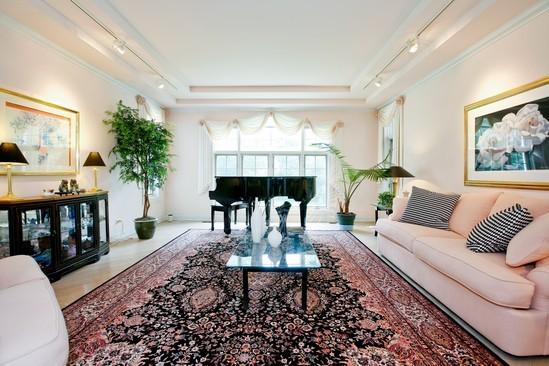 Real Estate Photography - 9425 Madison, Burr Ridge, IL, 60527 - Living Room