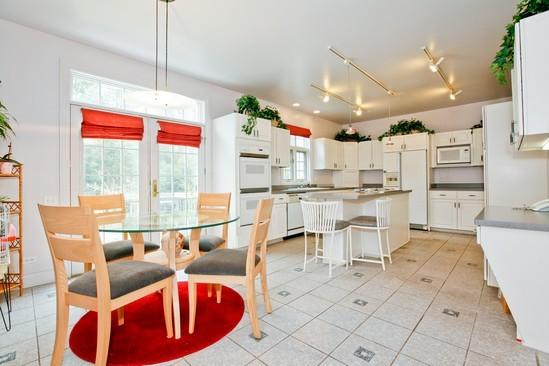 Real Estate Photography - 9425 Madison, Burr Ridge, IL, 60527 - Kitchen / Breakfast Room
