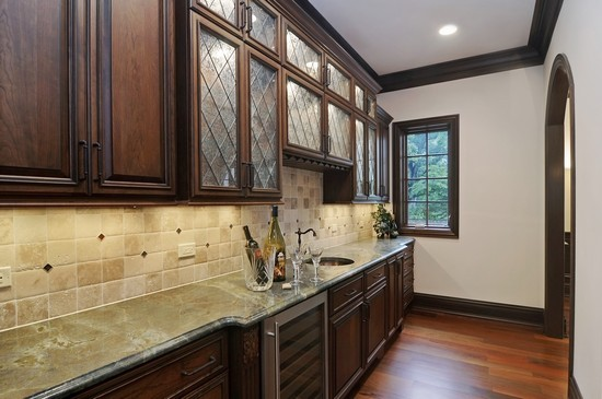 Real Estate Photography - 101 Countyline Rd, Barrington Hills, IL, 60010 - Butlers Pantry