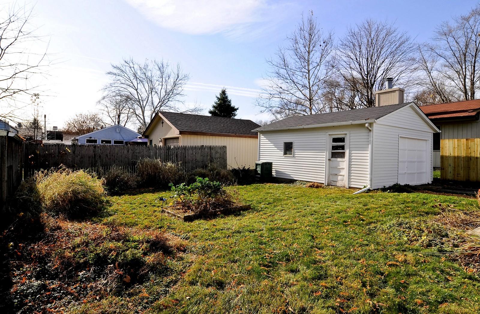 Real Estate Photography - 530 Wilson, Batavia, IL, 60510 - Back Yard