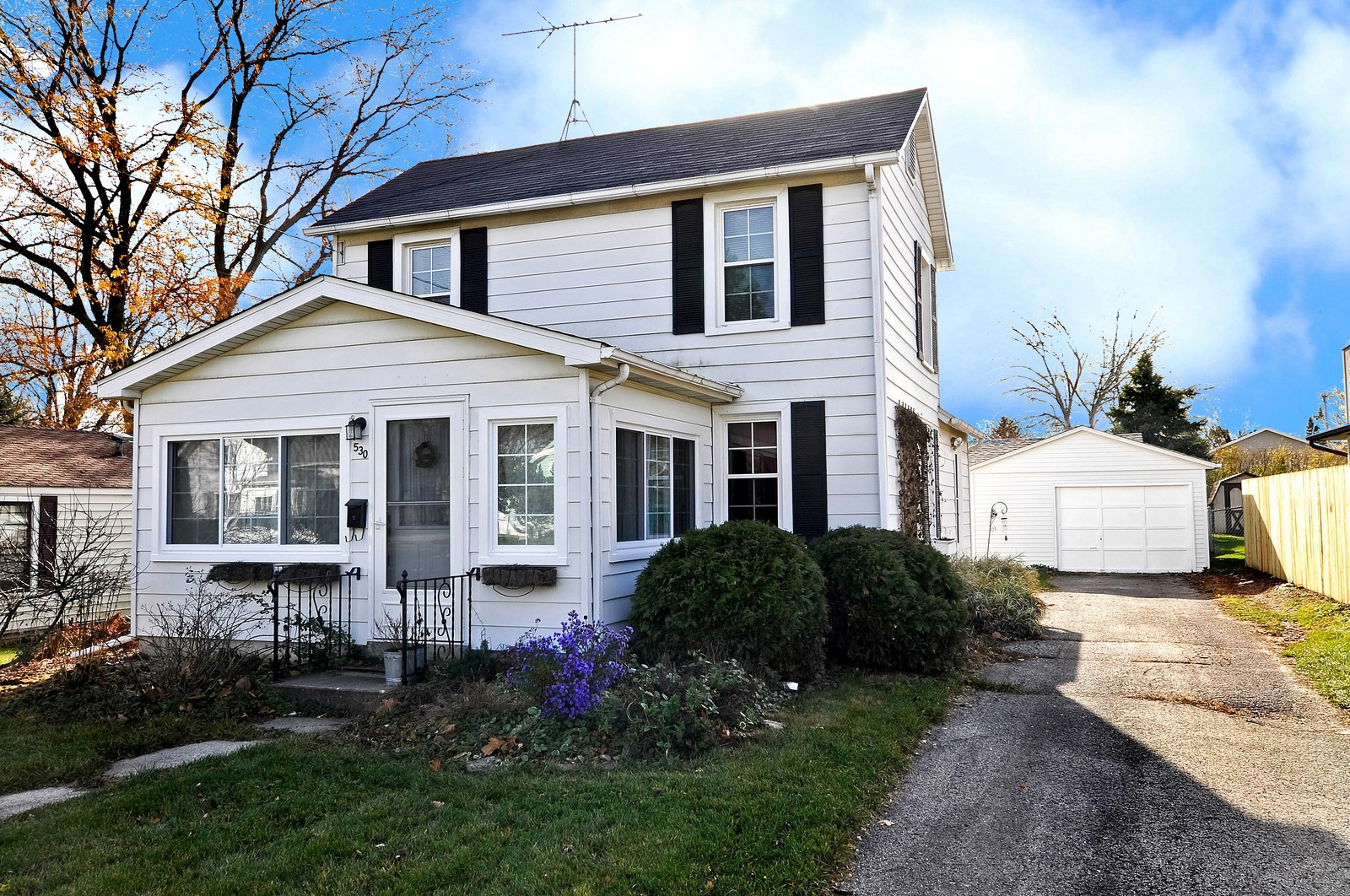 Real Estate Photography - 530 Wilson, Batavia, IL, 60510 - Front View