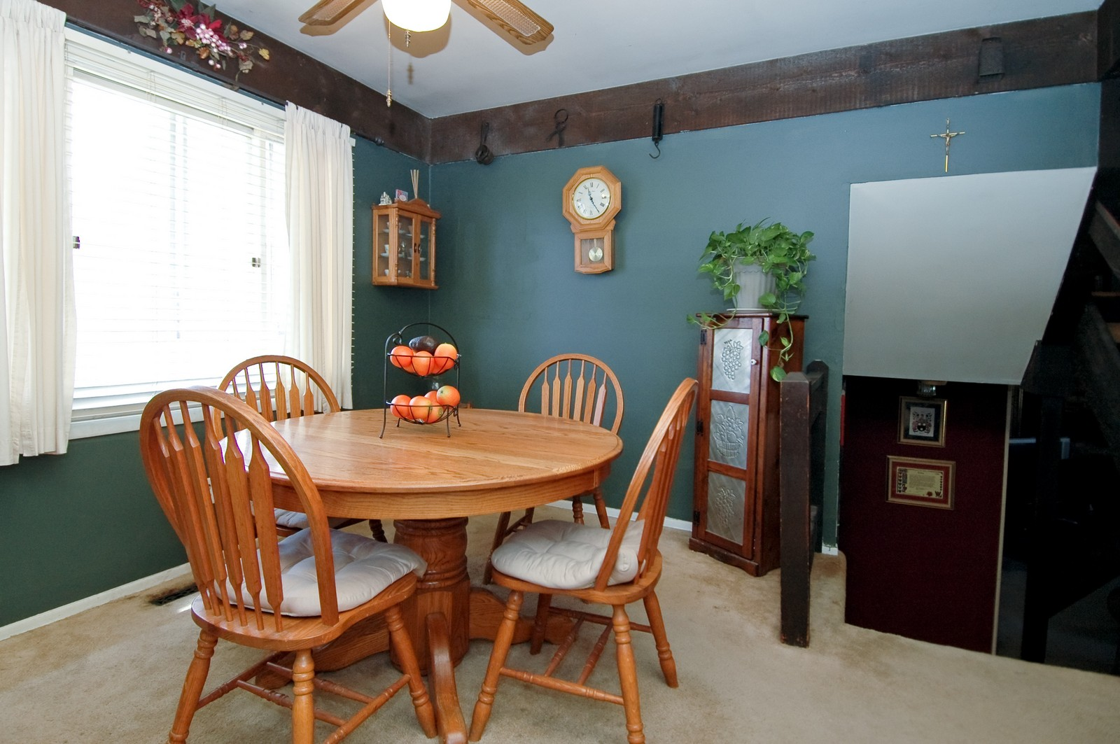 Real Estate Photography - 927 Aberdeen Drive, Crystal Lake, IL, 60014 - Dining Room