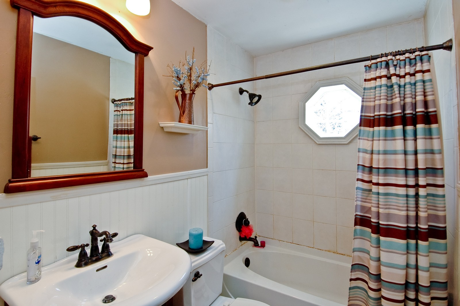 Real Estate Photography - 927 Aberdeen Drive, Crystal Lake, IL, 60014 - Bathroom