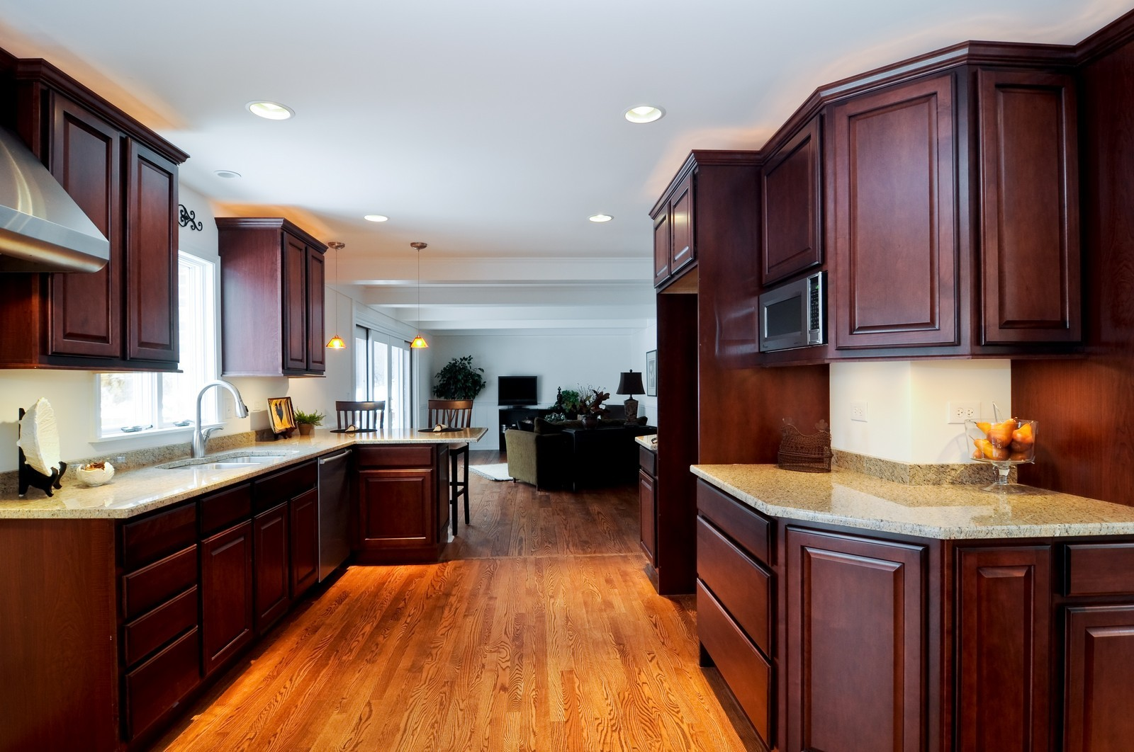 Real Estate Photography - 427 County Line Rd, Barrington Hills, IL, 60010 - Kitchen