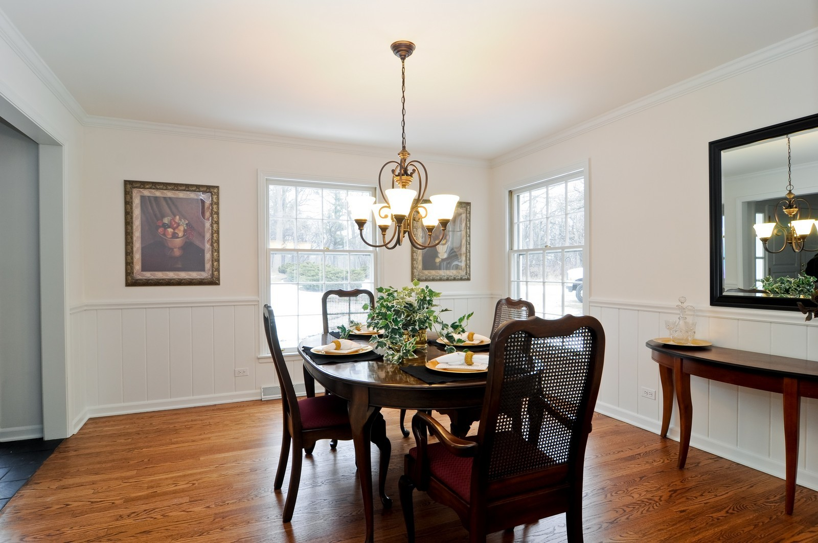 Real Estate Photography - 427 County Line Rd, Barrington Hills, IL, 60010 - Dining Room