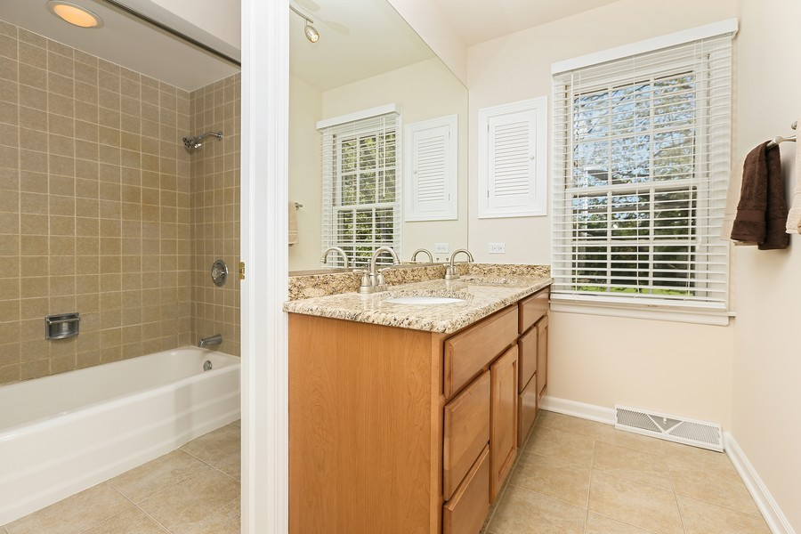 Real Estate Photography - 427 County Line Rd, Barrington Hills, IL, 60010 - Bathroom