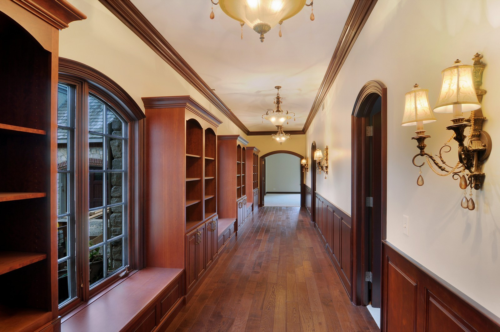 Real Estate Photography - 273 Donlea Rd, Barrington Hills, IL, 60010 - Hallway
