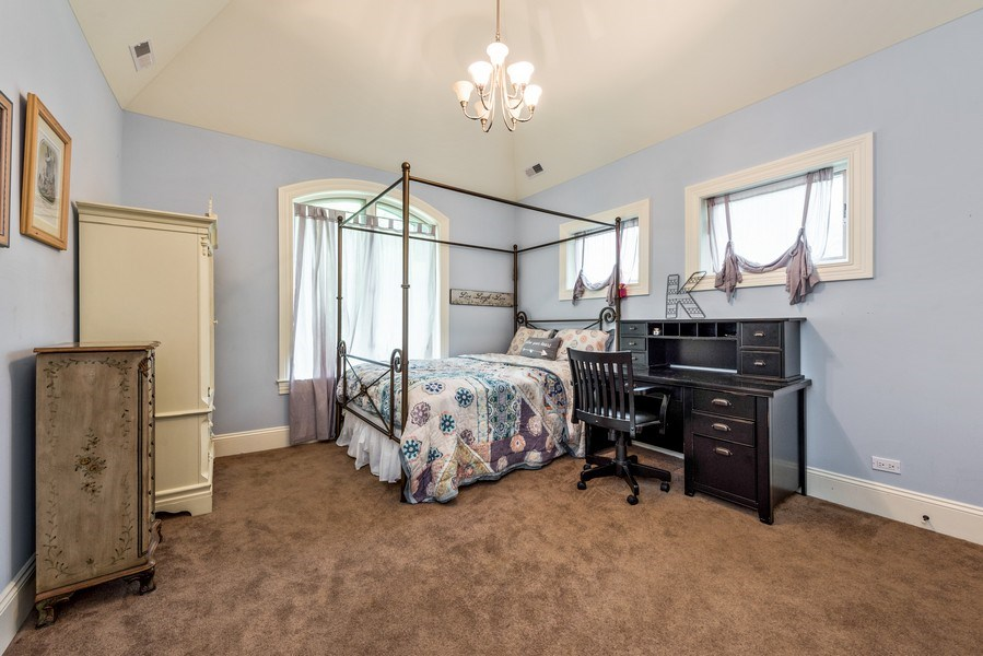 Real Estate Photography - 17 North Portshire Dr, Lincolnshire, IL, 60069 - 3rd Bedroom