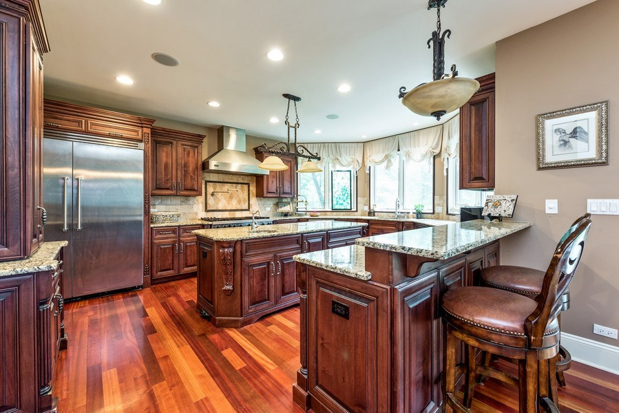 Real Estate Photography - 17 North Portshire Dr, Lincolnshire, IL, 60069 - Kitchen