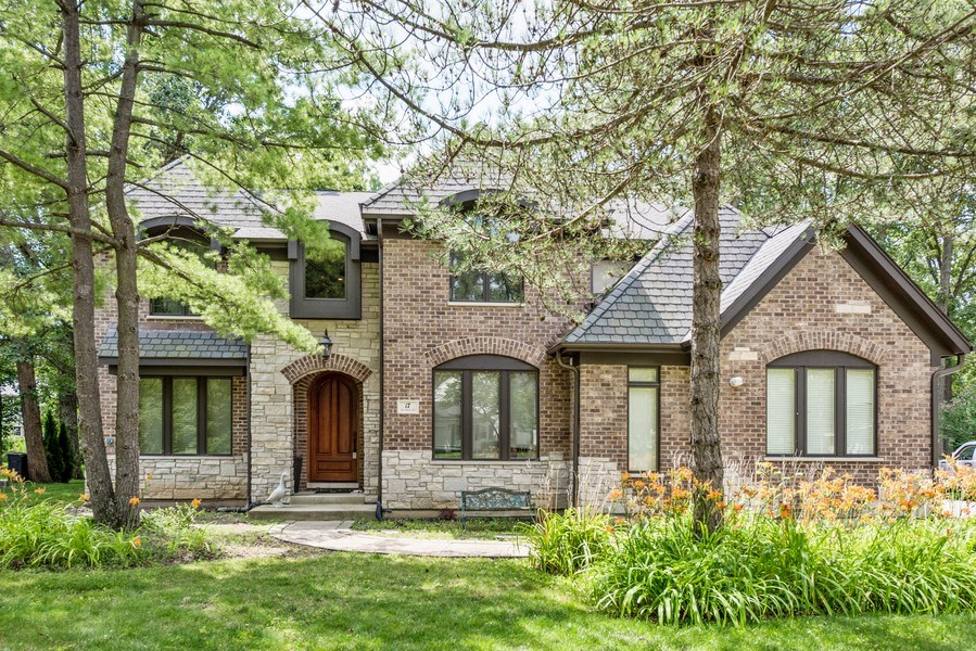 Real Estate Photography - 17 North Portshire Dr, Lincolnshire, IL, 60069 - Front View