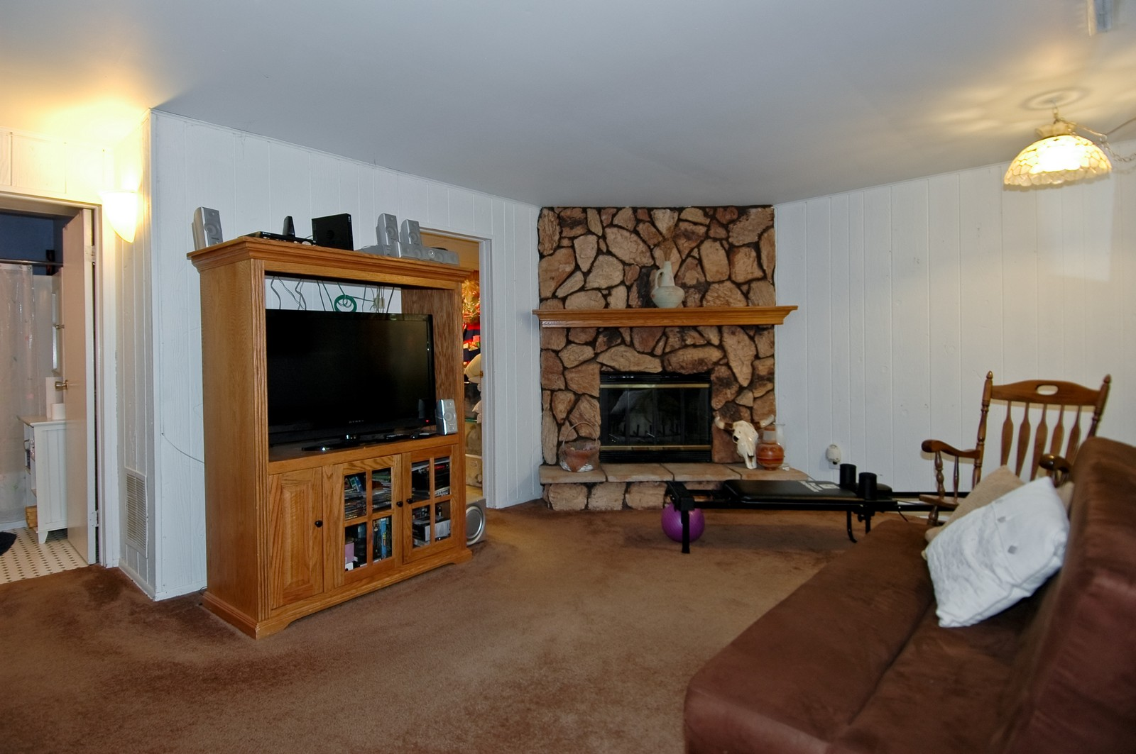 Real Estate Photography - 825 Teverton Lane, Crystal Lake, IL, 60014 - Family Room