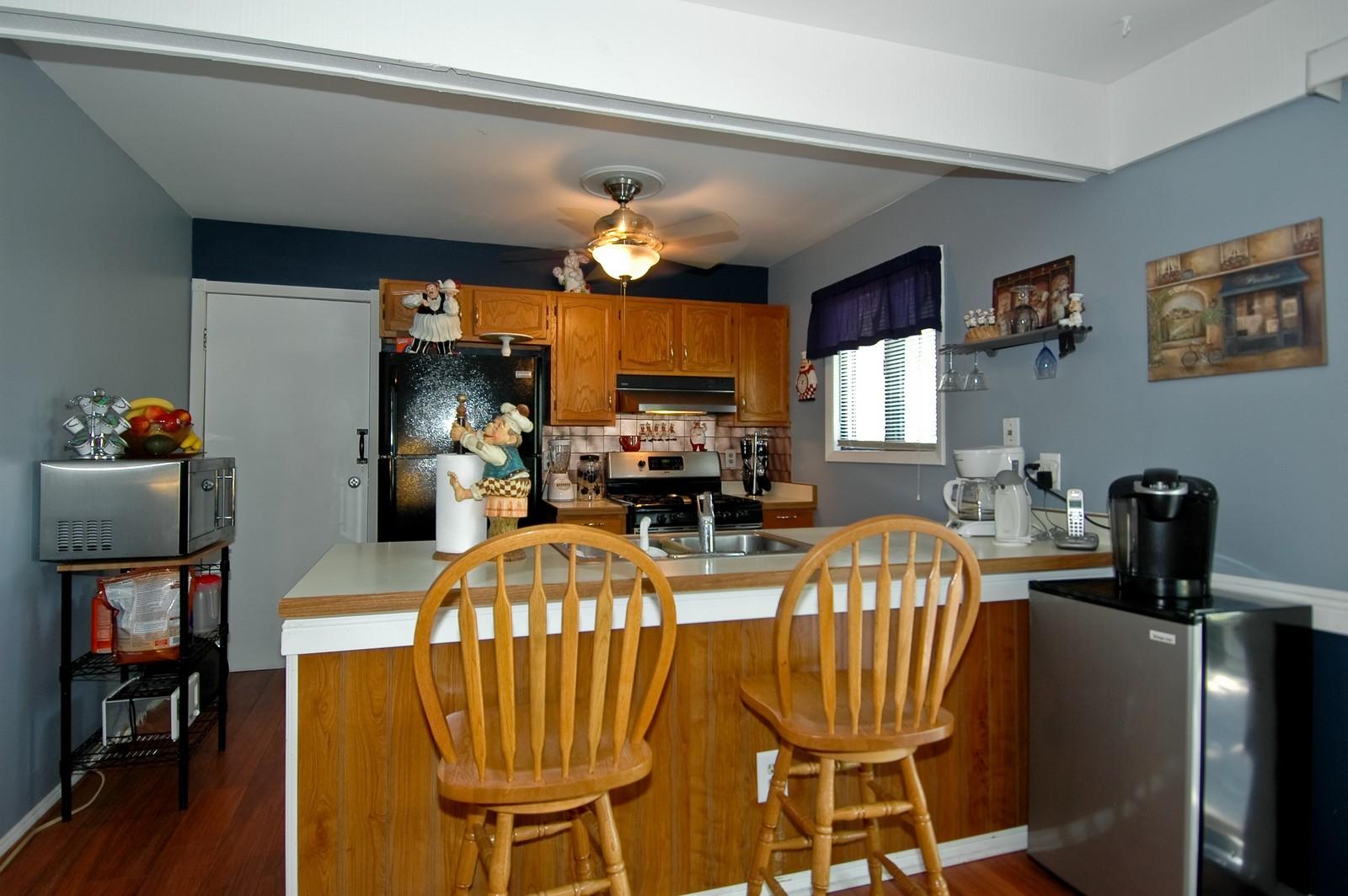 Real Estate Photography - 825 Teverton Lane, Crystal Lake, IL, 60014 - Kitchen