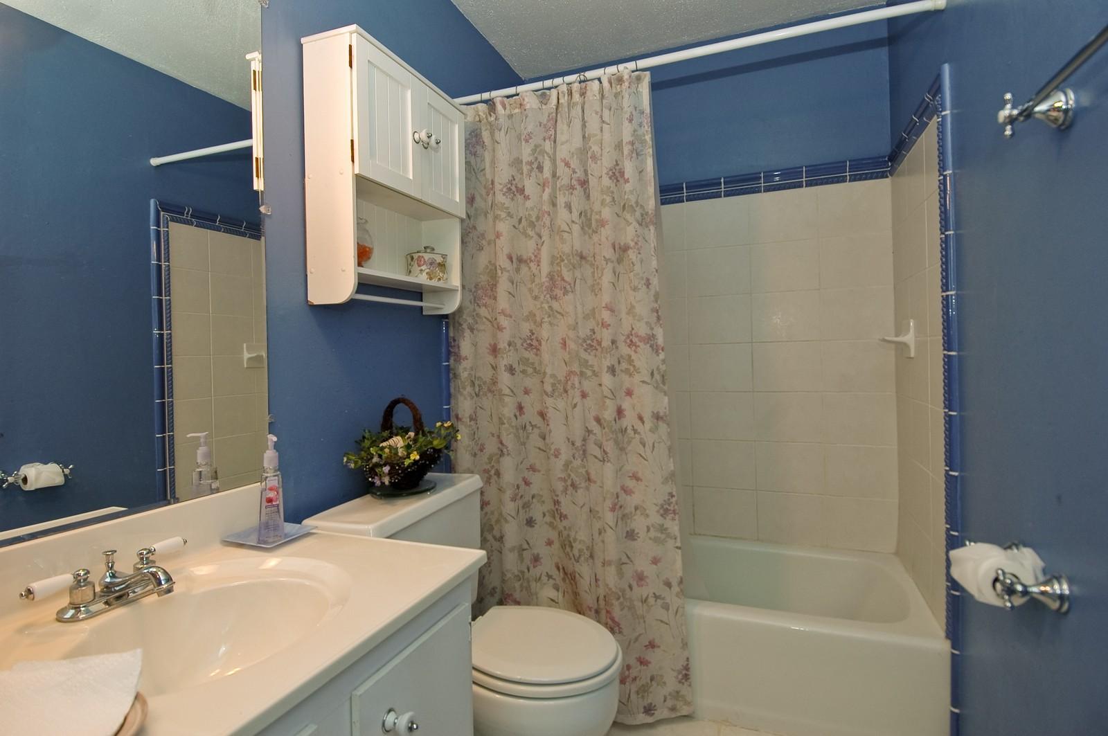 Real Estate Photography - 825 Teverton Lane, Crystal Lake, IL, 60014 - Bathroom
