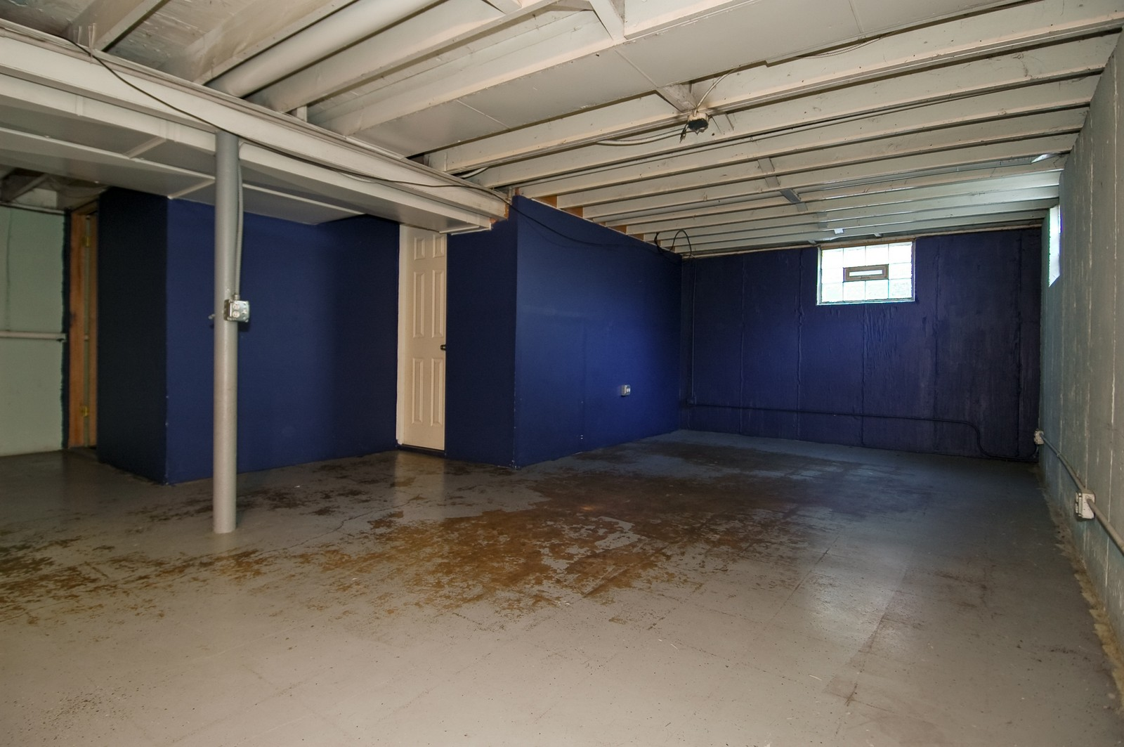Real Estate Photography - 599 Kirk Ave, Elgin, IL, 60120 - Basement