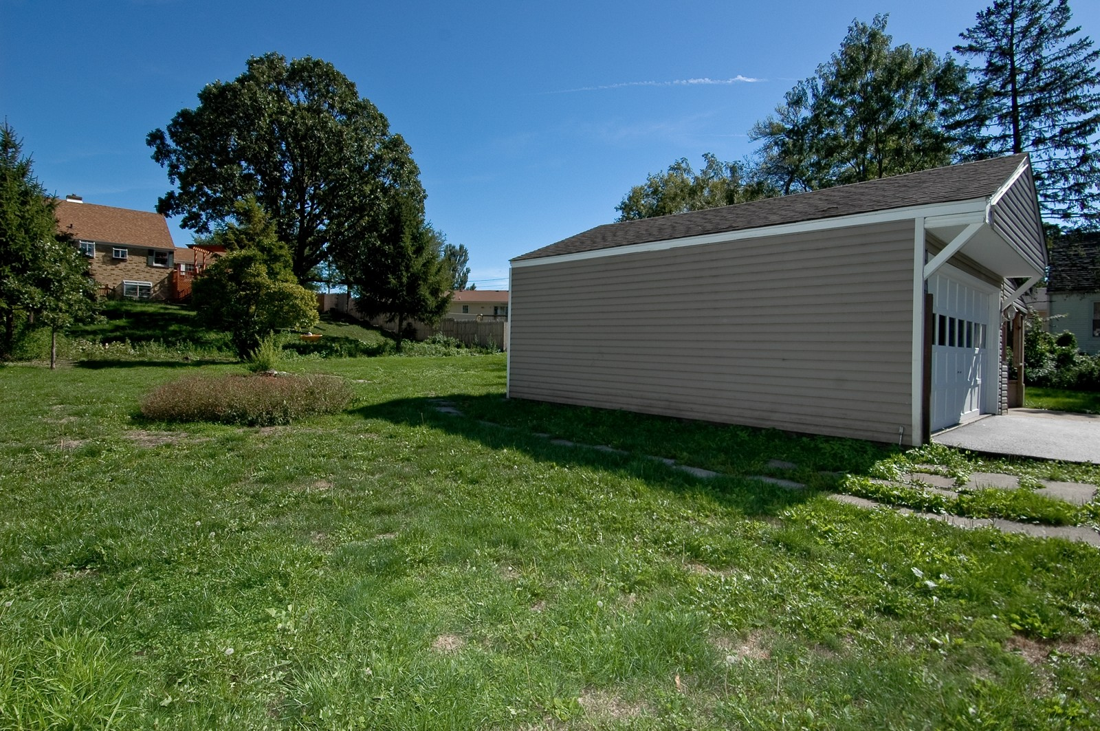 Real Estate Photography - 599 Kirk Ave, Elgin, IL, 60120 - Back Yard
