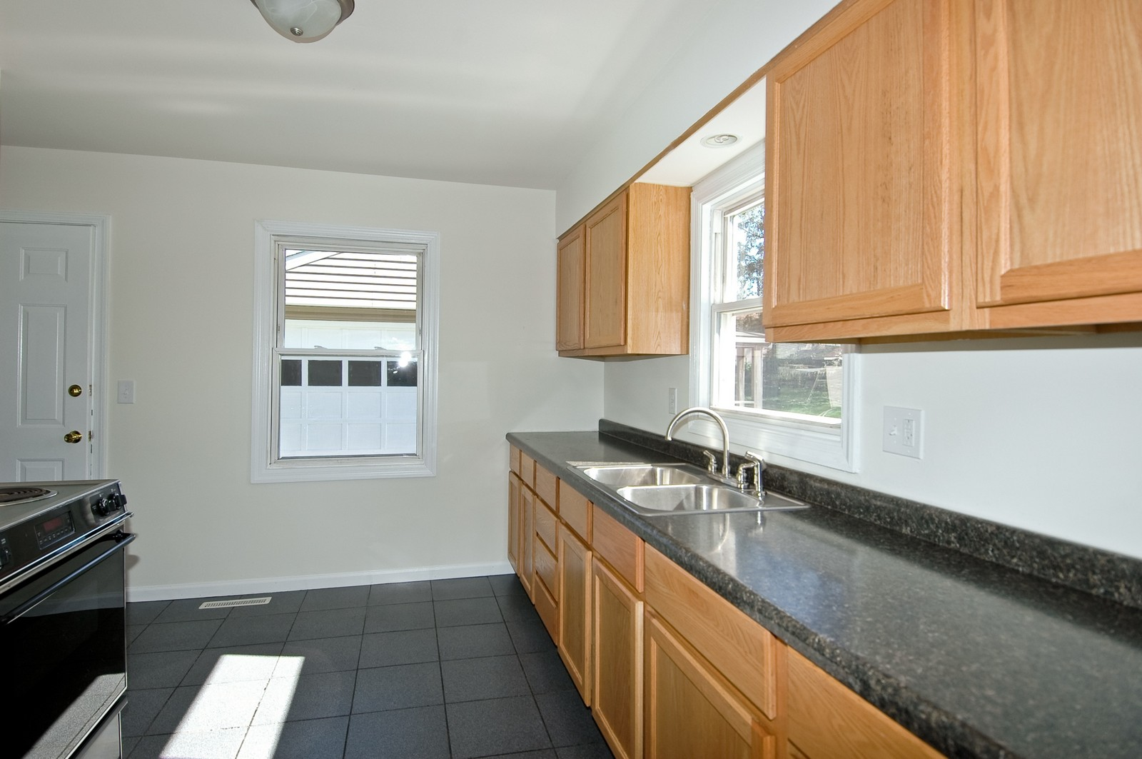 Real Estate Photography - 599 Kirk Ave, Elgin, IL, 60120 - Kitchen