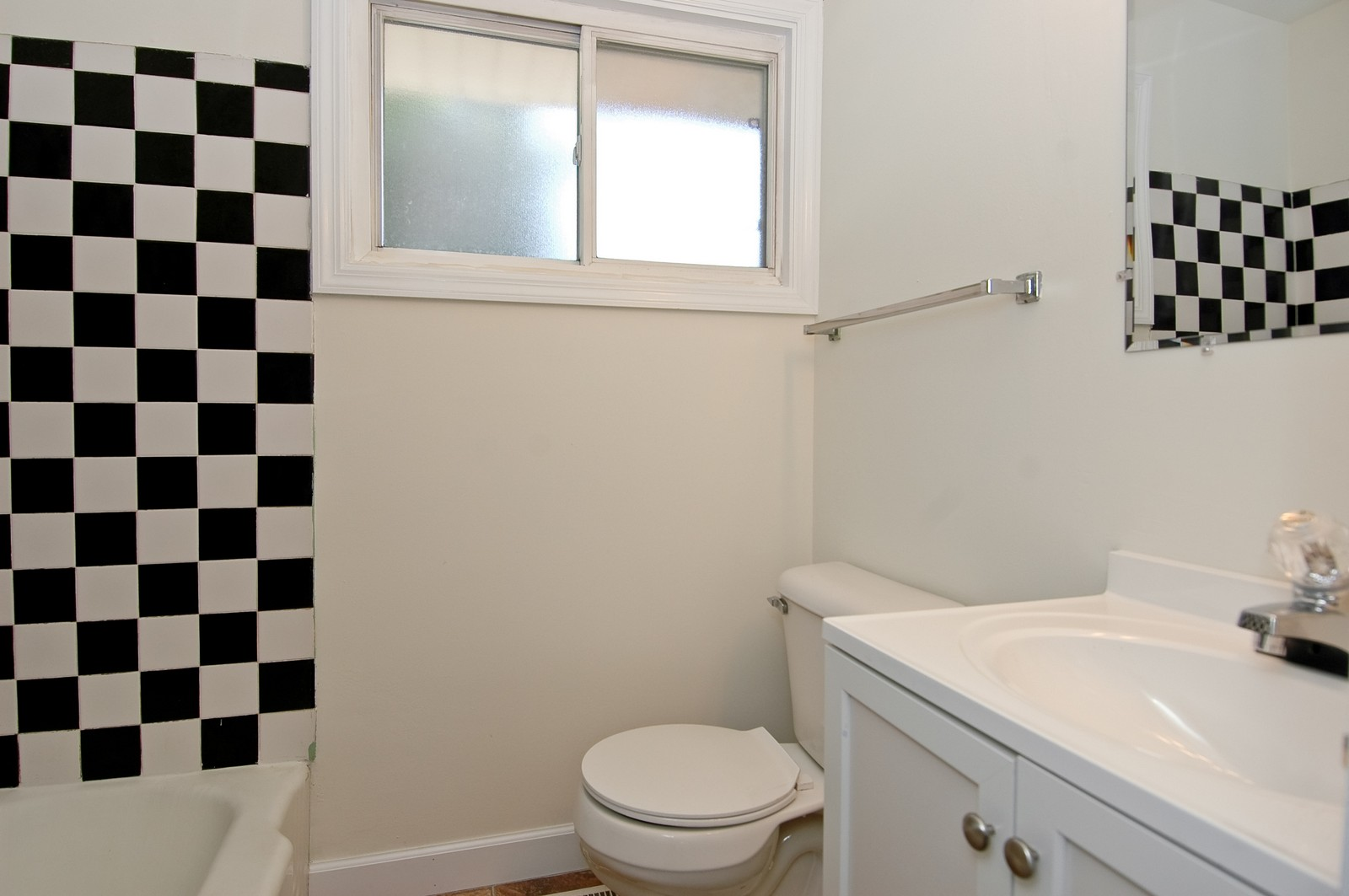 Real Estate Photography - 599 Kirk Ave, Elgin, IL, 60120 - Bathroom
