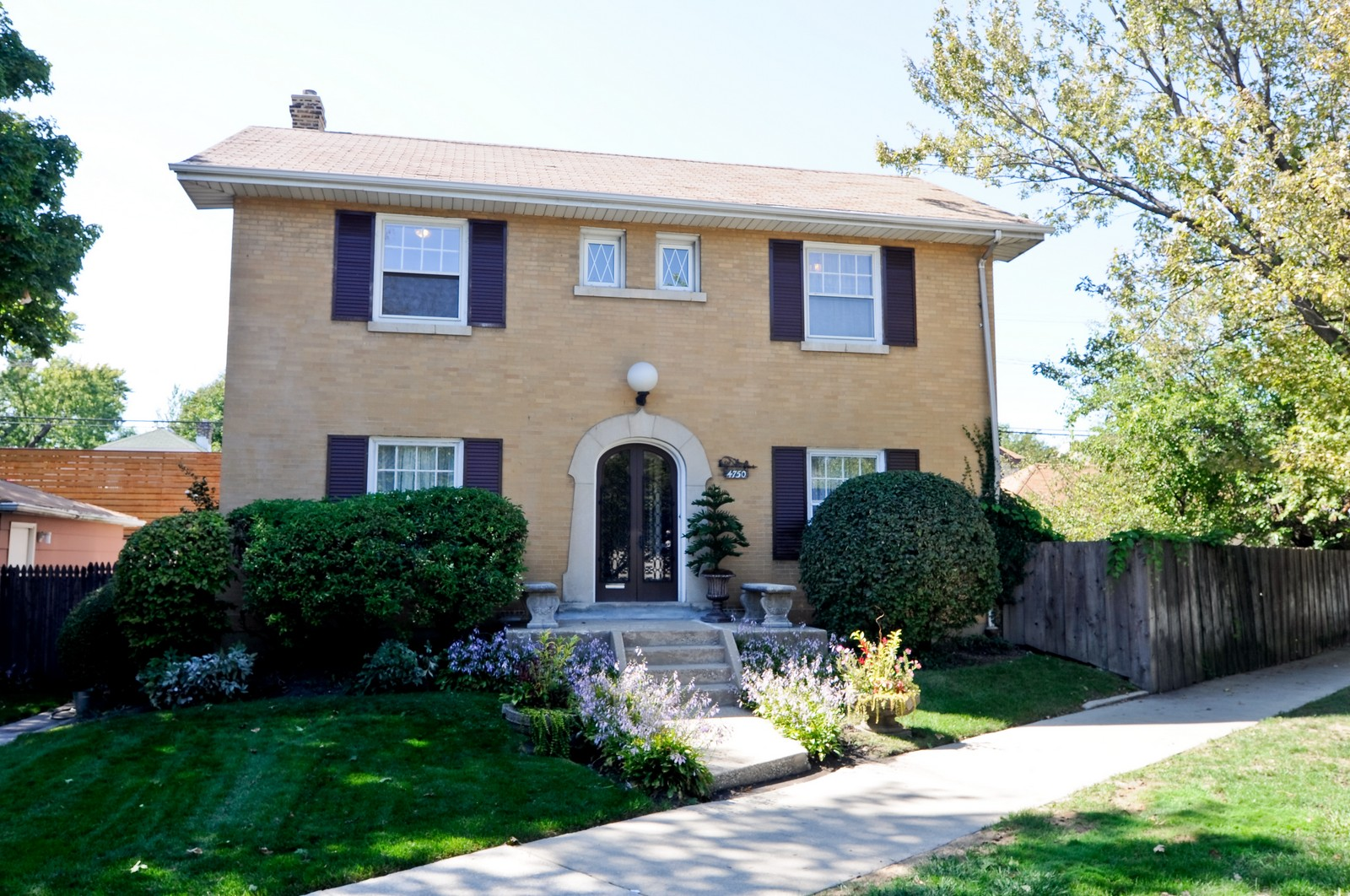 Real Estate Photography - 4750 N Manor Ave, Chicago, IL, 60625 - Front View