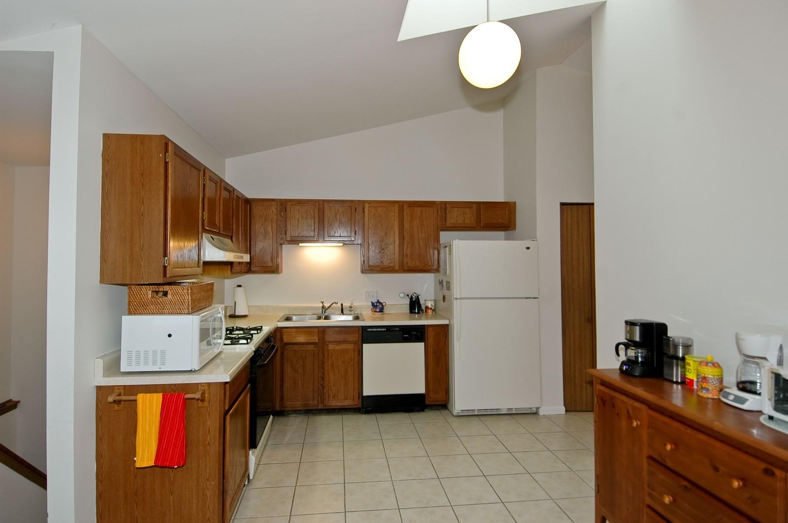 Real Estate Photography - 4029 Hale Ln, Island Lake, IL, 60042 - Kitchen