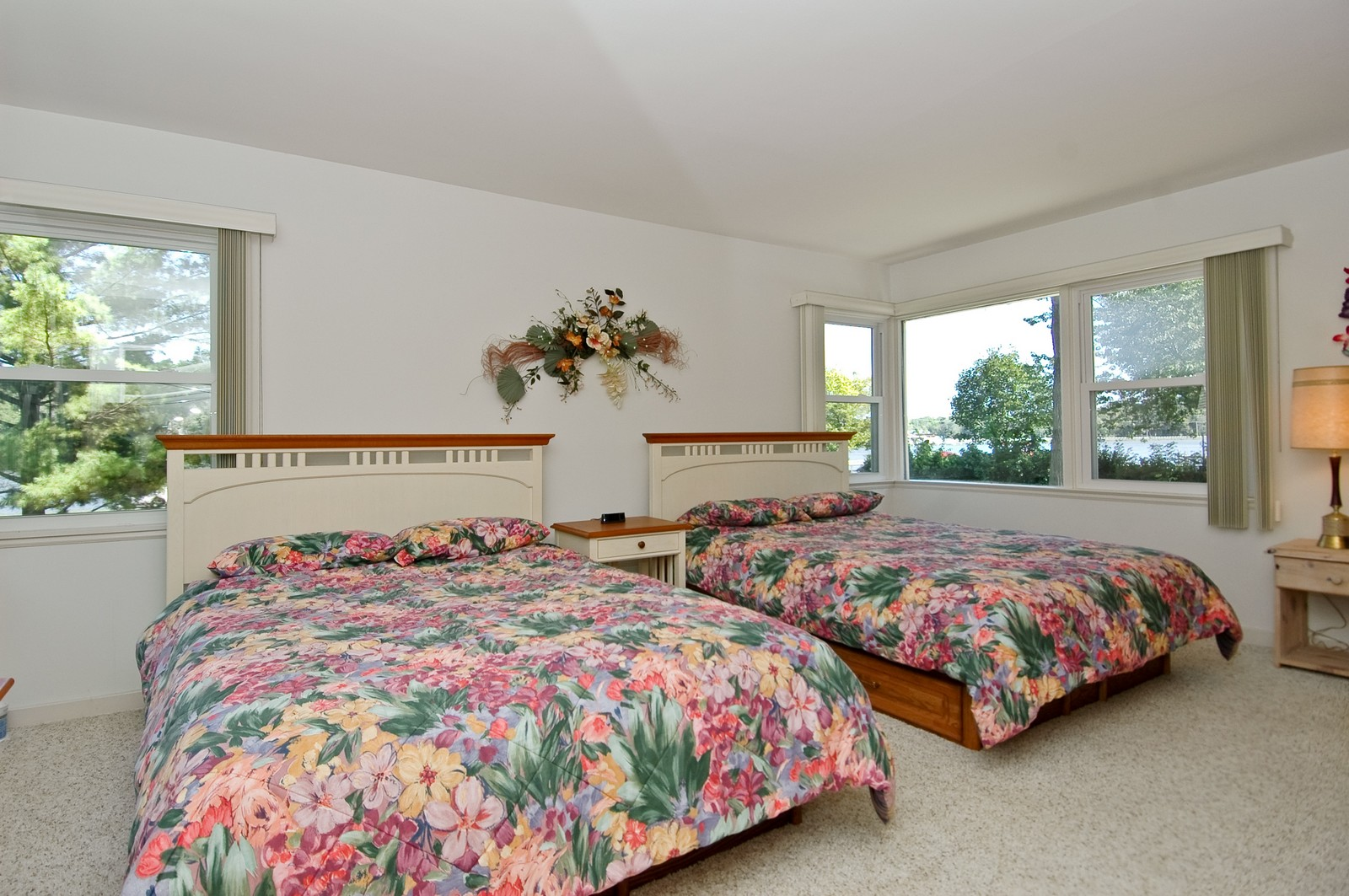 Real Estate Photography - 724 Country Club Dr, McHenry, IL, 60050 - Master Bedroom