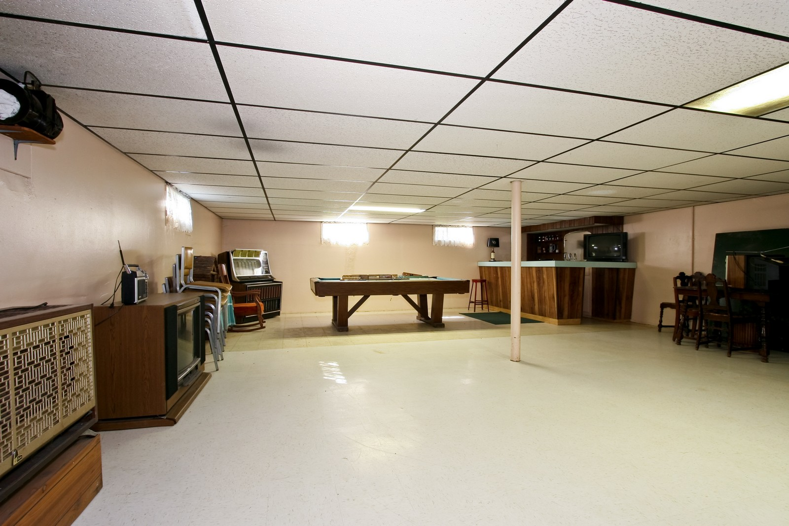 Real Estate Photography - 7431 S Roberts Rd, Bridgeview, IL, 60455 - Basement