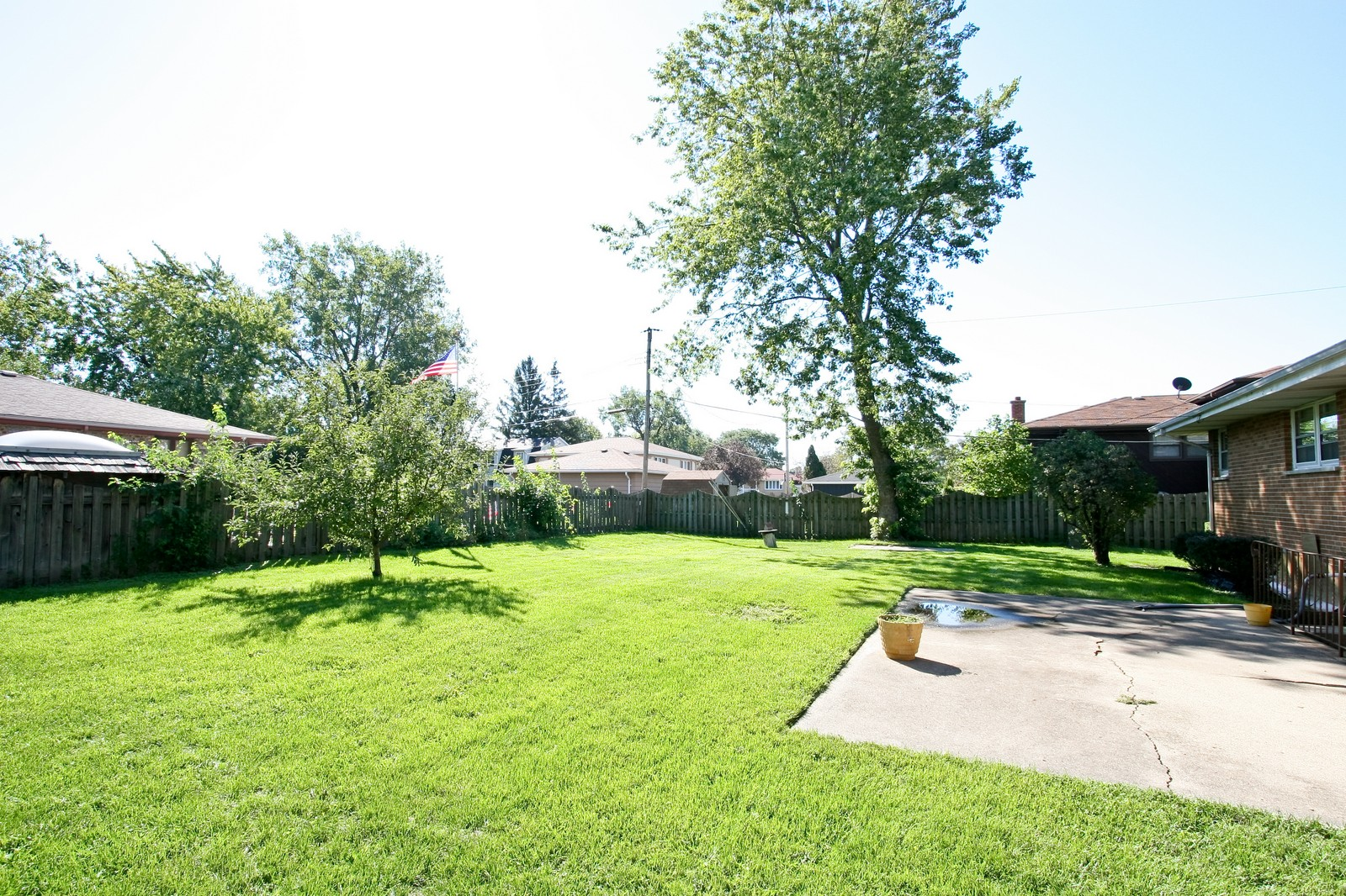 Real Estate Photography - 7431 S Roberts Rd, Bridgeview, IL, 60455 - Back Yard