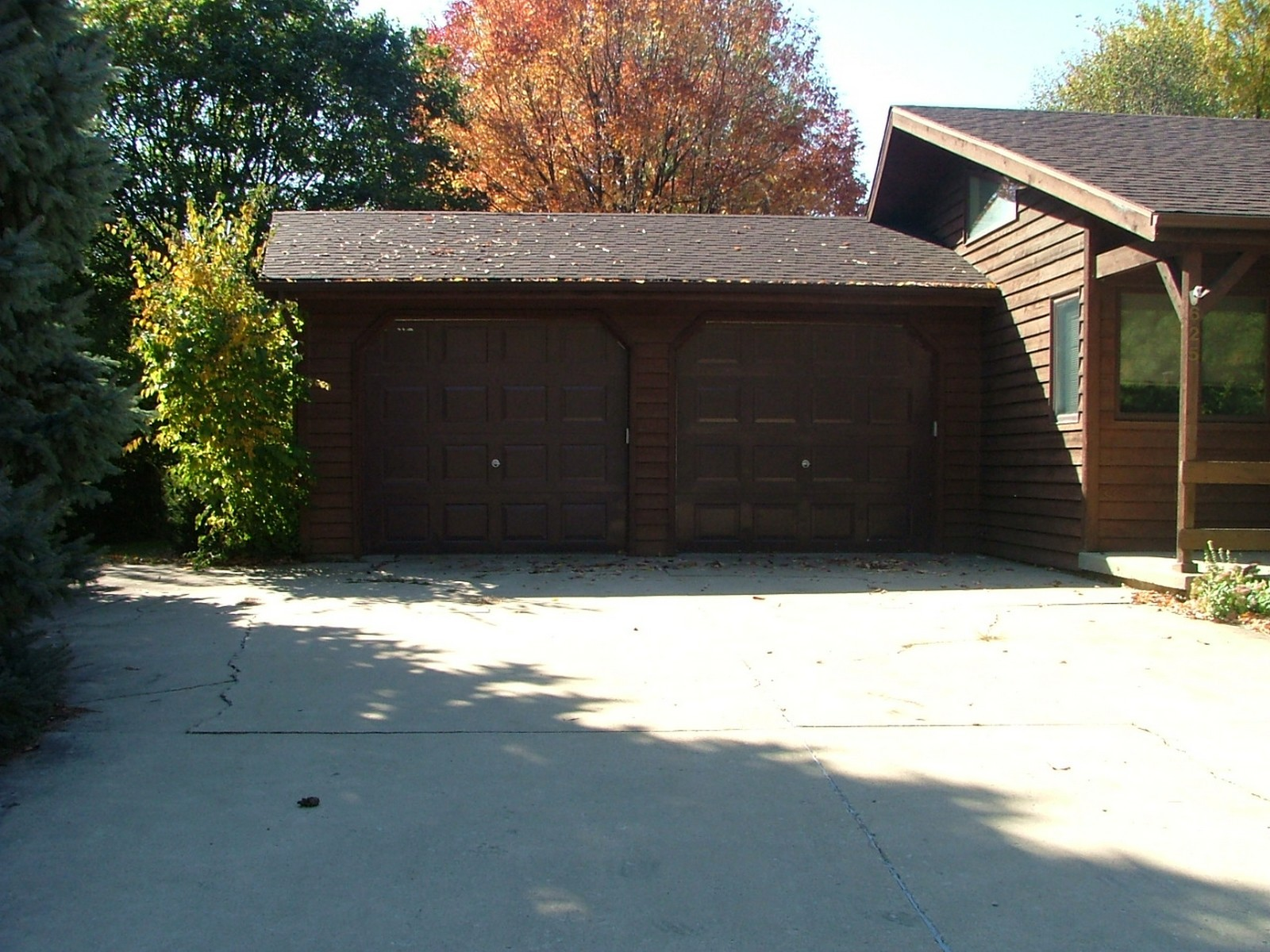 Real Estate Photography - 625 Konen Ave, Aurora, IL, 60505 - Extended Driveway