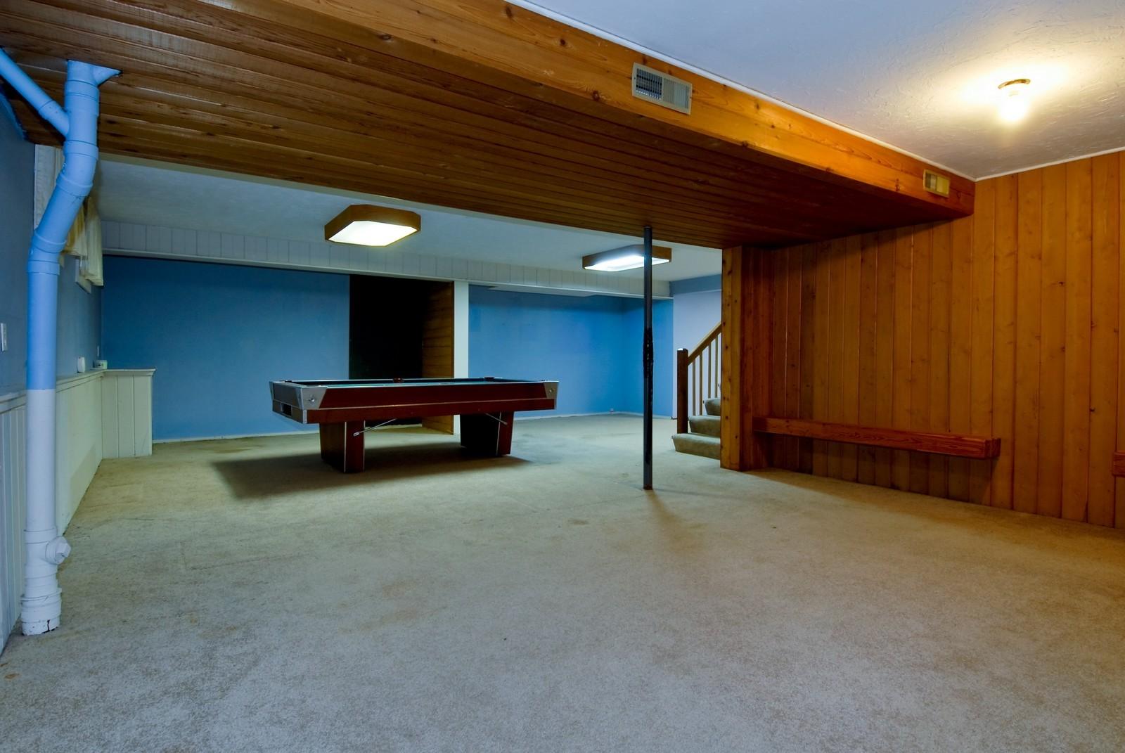 Real Estate Photography - 625 Konen Ave, Aurora, IL, 60505 - Recreational Area