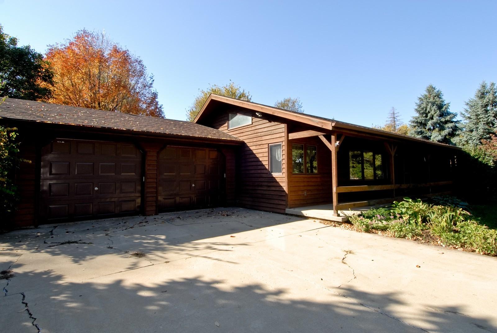 Real Estate Photography - 625 Konen Ave, Aurora, IL, 60505 - Front View