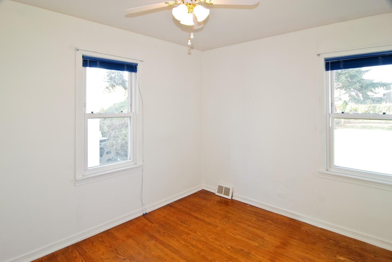 Real Estate Photography - 1526 Hillside Ave, Berkeley, IL, 60163 - Master Bedroom