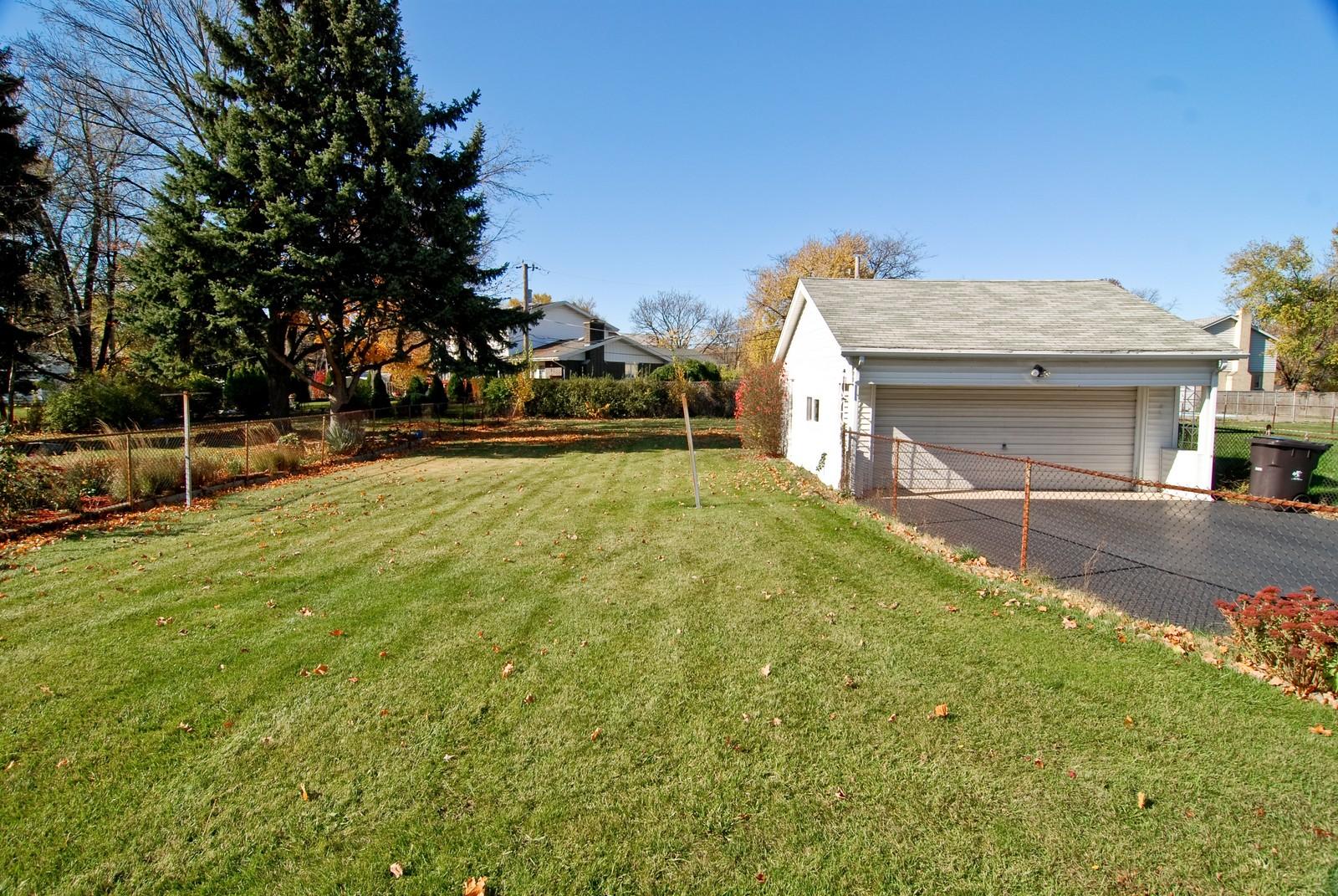 Real Estate Photography - 1526 Hillside Ave, Berkeley, IL, 60163 - Back Yard