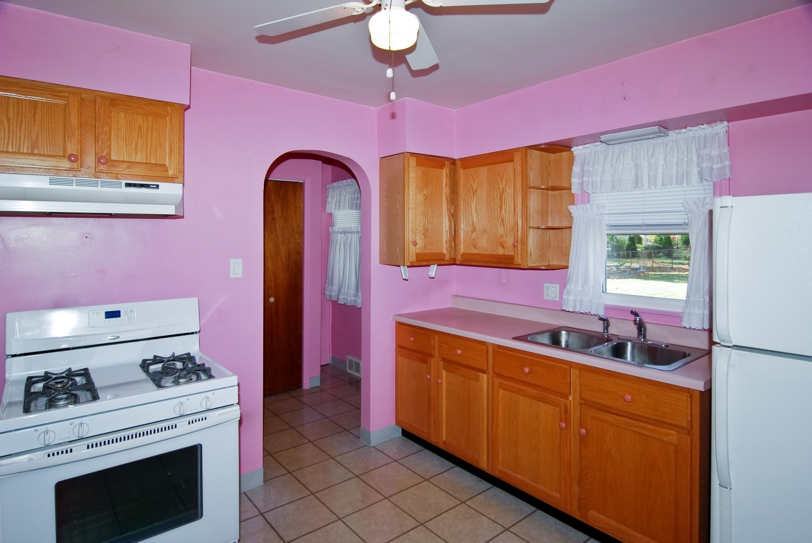 Real Estate Photography - 1526 Hillside Ave, Berkeley, IL, 60163 - Kitchen