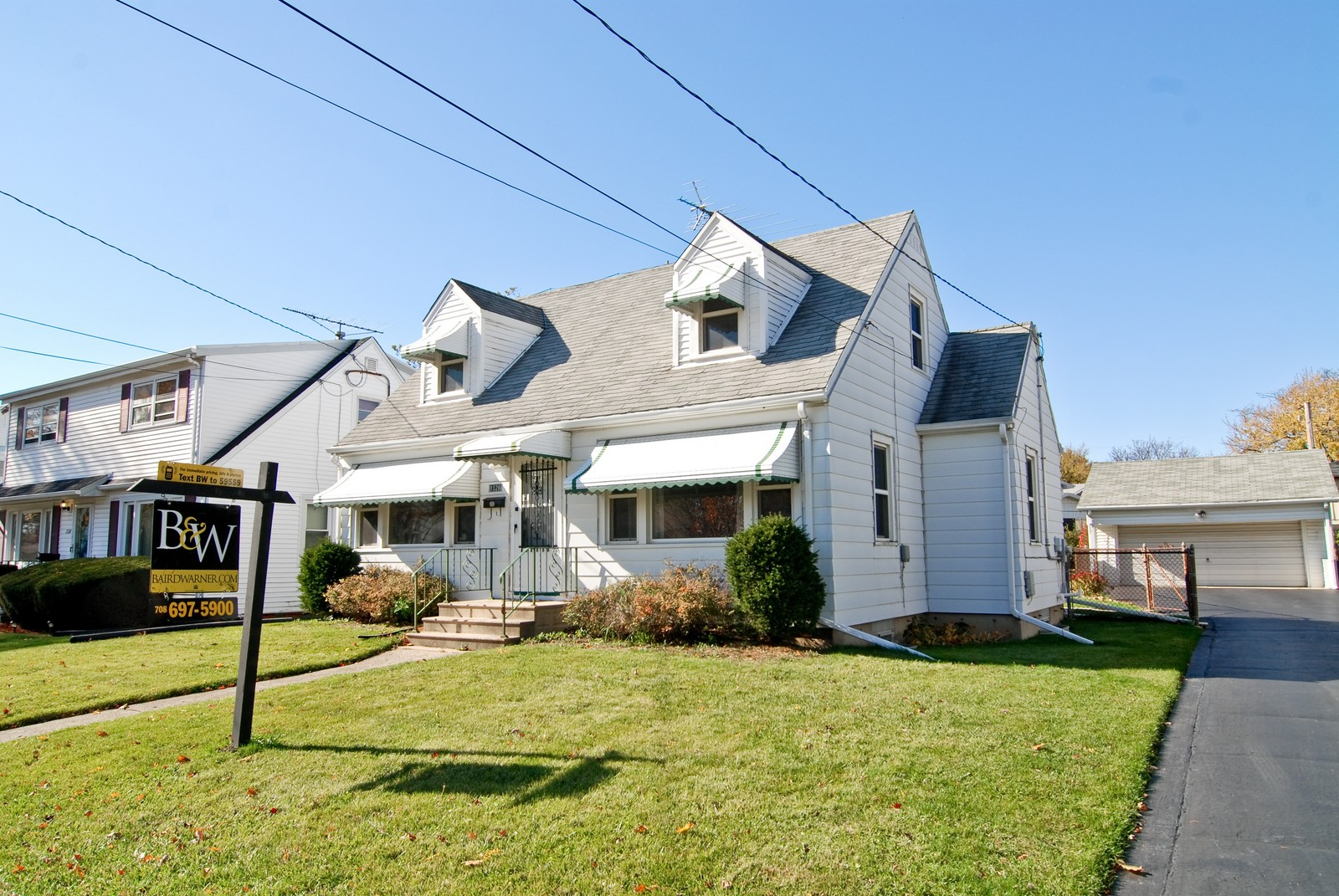Real Estate Photography - 1526 Hillside Ave, Berkeley, IL, 60163 - Front View